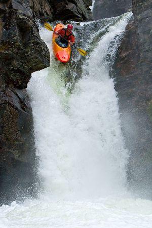 kayak: Water vallen in Noorwegen
