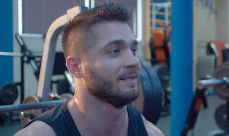 Close up portrait of bodybuilder. Man bodybuilder in the gym 版權商用圖片 - 128403264