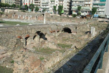 Dies ist ein historischer Marktplatz in Thessaloniki, den die Apostel Paulus, Silas, Lydia und die frühen Christen aus Apostelgeschichte 17 besucht hätten. Diese Agora befand sich neben dem Egnatian Way.