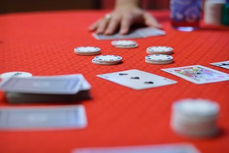 begining: Poker game is begining. Cards under hand.
