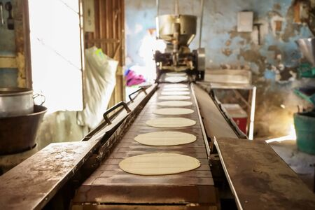 The place where corn tortillas are made is an old house of a Mexican town. 免版税图像