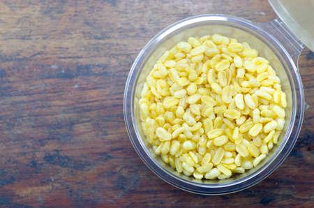 peeled: peeled split mung bean