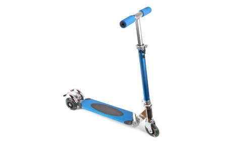vespa: un scooter para ni�os con fondo blanco