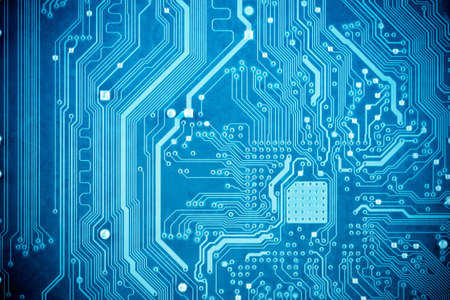 circuitos electronicos: cerca de la placa de circuito azul Foto de archivo