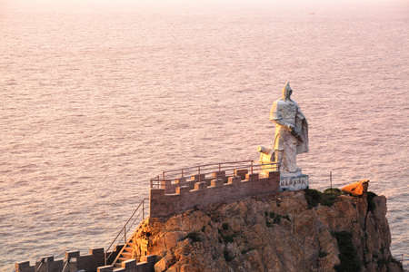 qi: the Qi Jiguang statue in the sea,the famous Ming dynasty poet and general China