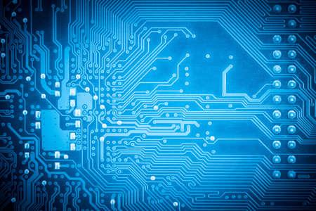 �board: azul placa de circuito de cerca de la placa base del ordenador