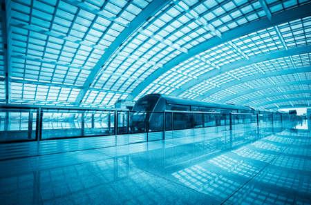 treno espresso: moderno aeroporto treno espresso in Beijing Capital International airport terminal 3, la Cina Editoriali