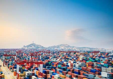 container yard at dusk in shanghai yangshan deepwater port Imagens - 24000858