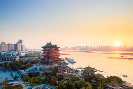 nanchang tengwang pavilion at dusk ,one of the four famous towers in south China. Banque d'images