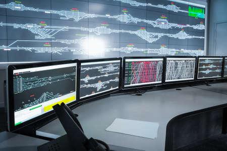system: nowoczesna elektroniczna control room, nauka i technologia tło Zdjęcie Seryjne