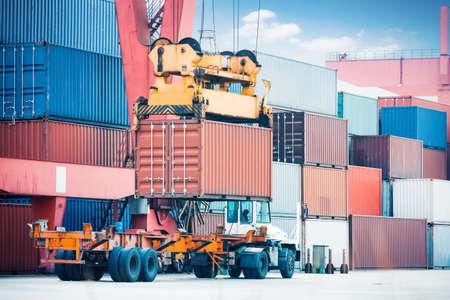 Container-Speicherbereich, Fracht Fracht-LKW und Industriekran Großansicht