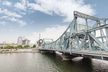 tianjin jiefang bridge on the haihe river , is a classical movable bridge, built in 1927
