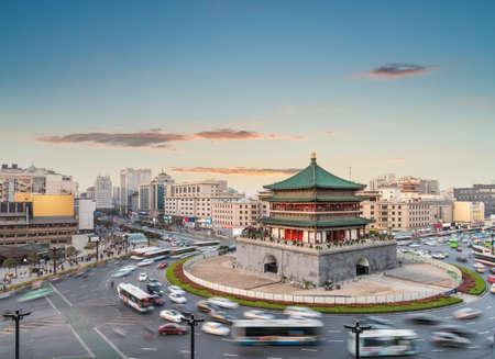 ville antique de la ville de xian, clocher au coucher du soleil, Chine