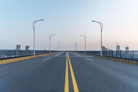empty bridge surface, asphalt road background Imagens