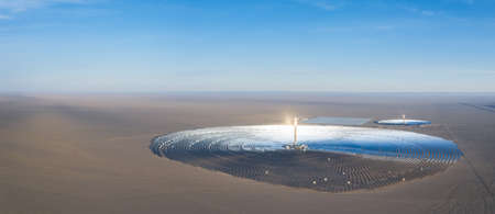 molten salt tower solar thermal power station, dunhuang city, gansu province, China 免版税图像