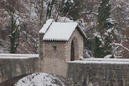 sentrybox sur le pont historique, Ascoli Piceno, Italie Banque d'images
