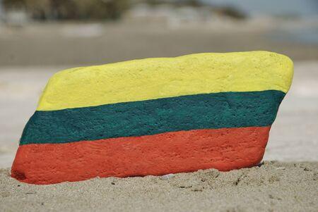 Litvanya s bayrak renkleri Cumhuriyeti bir taş üzerinde boyalı