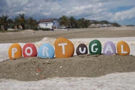 Portugal, le mot sur des cailloux color�s