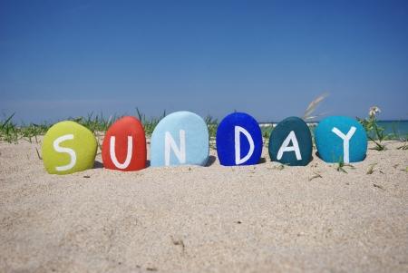 Dimanche, septi�me jour de la semaine sur des pierres color�es