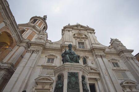 monument du pape Sixte V, Loreto Banque d'images