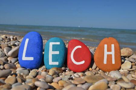 Lech, nom masculin � ongles sur les pierres