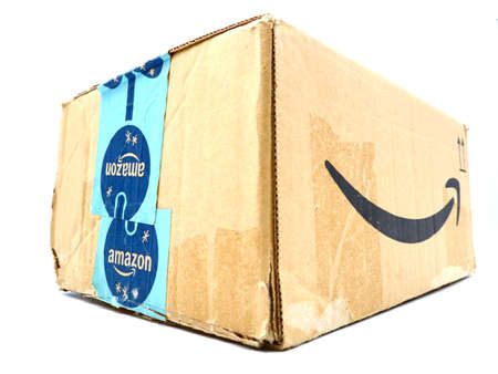 Italy – August 10, 2019: Used AMAZON Shipping Package Parcel Cardboard Box. Amazon is an American Multinational Technology Company of e-commerce Stockfoto - 150130841