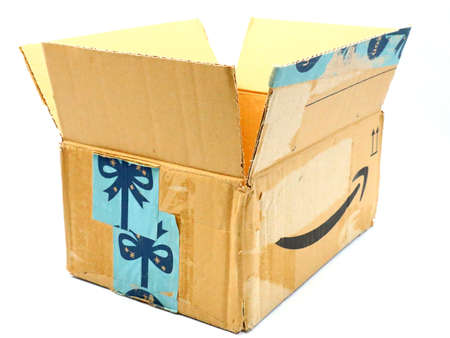 Italy – August 10, 2019: Used AMAZON Shipping Package Parcel Cardboard Box. Amazon is an American Multinational Technology Company of e-commerce Stockfoto - 150130847