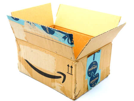 Italy – August 10, 2019: Used AMAZON Shipping Package Parcel Cardboard Box. Amazon is an American Multinational Technology Company of e-commerce Stockfoto - 150130848