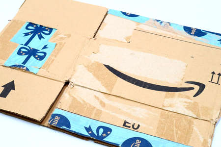 Italy – August 10, 2019: Used AMAZON Shipping Package Parcel Cardboard Box. Amazon is an American Multinational Technology Company of e-commerce Stockfoto - 150130853