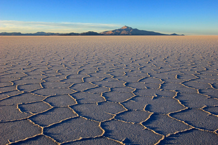 salt flat: Salar de Uyuni, salt lake, is largest salt flat in the world, altiplano, Bolivia, South America