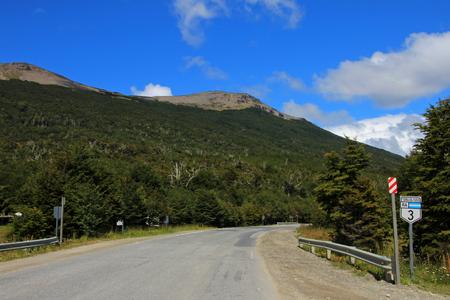 empedrado: Señal de ruta ruta ruta 40, Patagonia Argentina