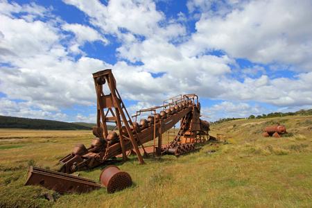 Verlassener Golddredge, nahe See Blanco, war der englische mechanische Bagger in Goldbergbau von 1904 bis 1910, Tierra Del Fuego, Patagonien, Chile beschäftigt