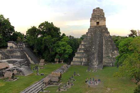 The mayan ruins Tikal Guatemala, Central America 스톡 콘텐츠