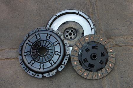 nicely: Nicely rebuilt clutch and pressure plate of an old german 1990 4WD van, rebuilt in Chile, South America