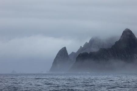 フォグの場合、南極半島の風景、南極大陸の山 写真素材
