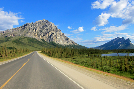 View of Dalton Highway with mountains, leading from Fairbanks to Prudhoe Bay, northern Alaska, USA