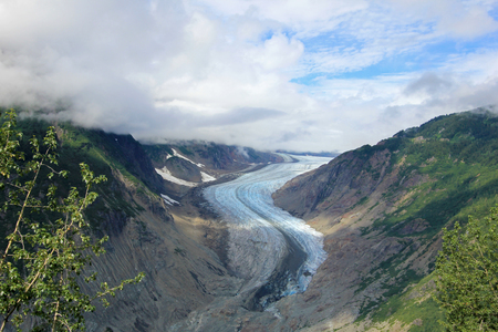 Salmon Glacier near Hyder, Alaska and Stewart, Canada, the glacier is located right on the canadian side of the booarder in British Columbia, Canada Imagens