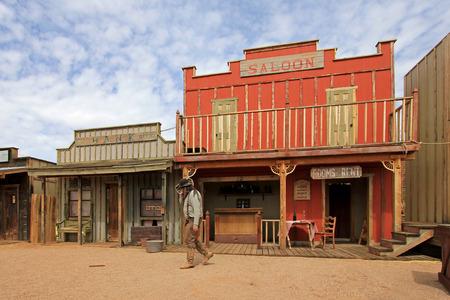 Westerse huizen op het podium van het OK Corral-vuurgevecht in Tombstone, Arizona, VS.