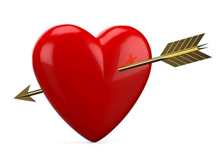 Corazón rojo perforó con flecha dorada aislado en fondo blanco