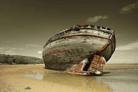 wooden boat: Dulas Bay shipwreck