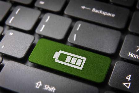 ノート パソコンのキーボードのバッテリ寿命アイコンとバッテリ ステータスのキー。簡単に編集することができますので、クリッピング パス、含