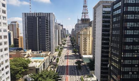 Vista aérea de la Avenida Paulista (Avenida Paulista) en la ciudad de Sao Paulo, Brasil