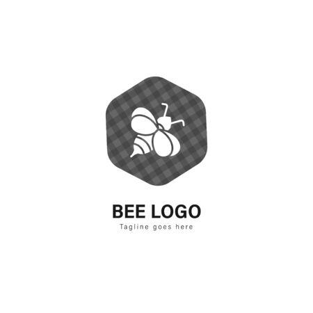 Bee logo template design. Bee logo with modern frame isolated on white background Stockfoto - 129276656