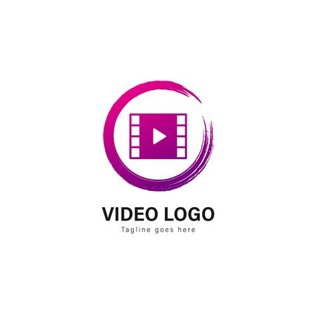 Video logo template design. Video logo with modern frame isolated on white background Standard-Bild - 129492406
