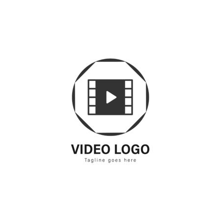 Video logo template design. Video logo with modern frame isolated on white background Standard-Bild - 129492936