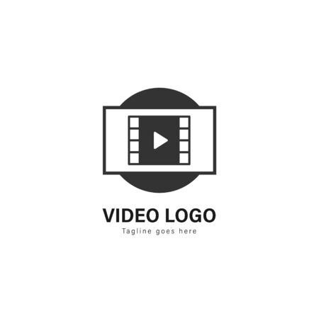 Video logo template design. Video logo with modern frame isolated on white background Standard-Bild - 129495095
