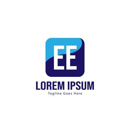 Initial EE logo template with modern frame. Minimalist EE letter logo vector illustration Banco de Imagens - 129496055