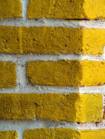 particolare: Particolare di un giallo mattoni 'muro in Zihuatanejo (Messico)