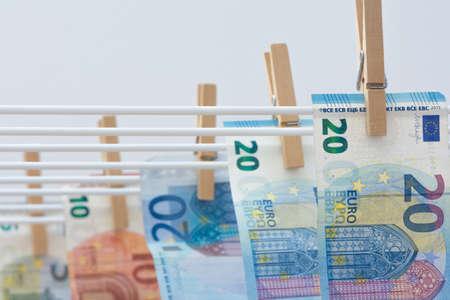 dinero falso: El blanqueo de capitales