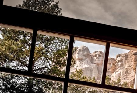 thomas stone: View through a window of the famous Mount Rushmore